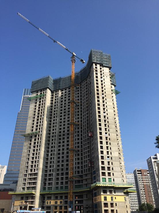 主体结构施工实现 5 天一层楼的速度